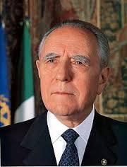 カルロ・アツェリオ・チャンピ - 政治家、元首相、元大統領