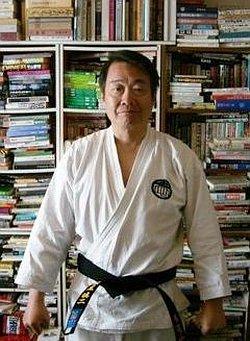 藤岡真 - 低知能左翼作家