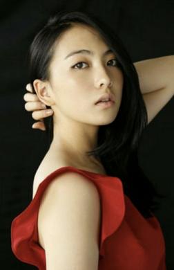 知英 - 女優、歌手・元 KARA