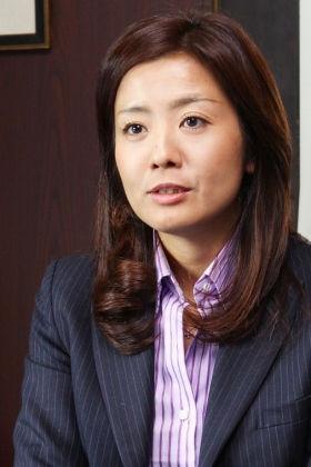 菊間千乃 - 弁護士、アナウンサー