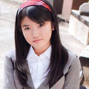 黒髪の美山加恋さん
