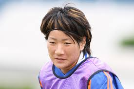 中岡麻衣子 - 女子サッカー選手