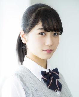丹生明里 - タレント、歌手・けやき坂46