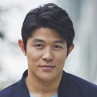 鈴木亮平 - 俳優