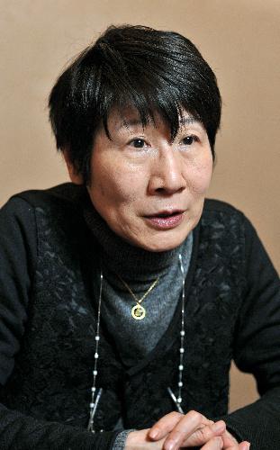 津島佑子 - 作家